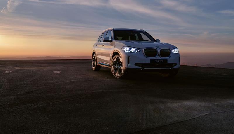 BMW iX3 - 100% sähköauto