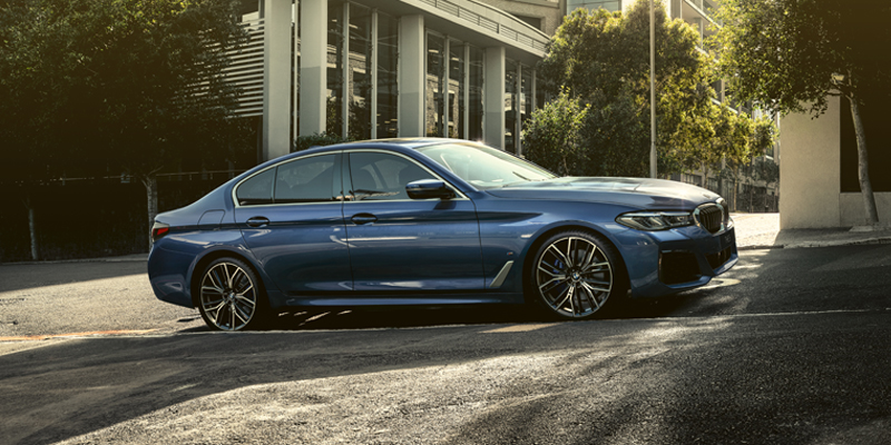 Innovatiivinen ja tehokas BMW 5-sarjan plug-in hybridi-Sedan