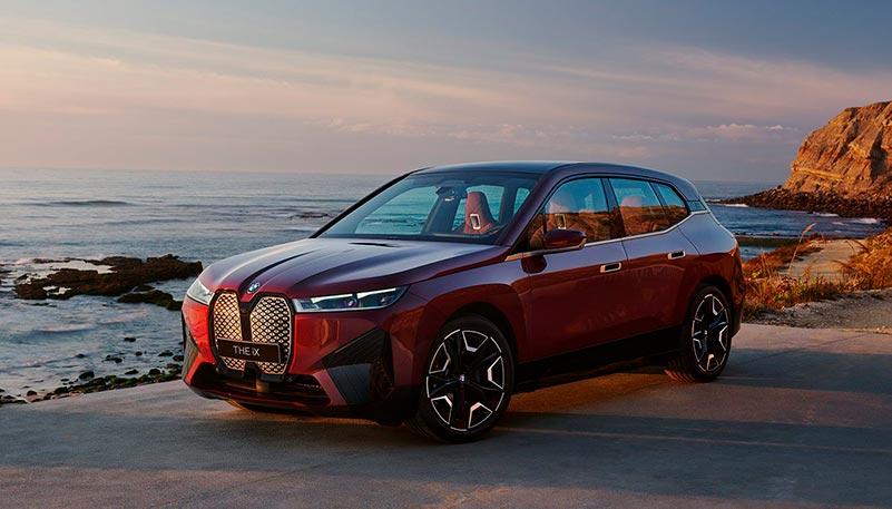 BMW iX sähköauto