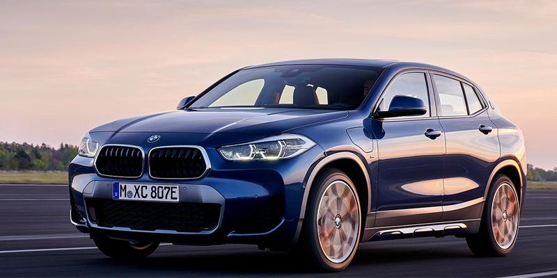 BMW X2 xDrive25e täyttää huippumodernin Plug-in Hybrid -käyttövoimansa ansiosta korkeimmatkin ajodynamiikka- ja tehokkuusvaatimukset.