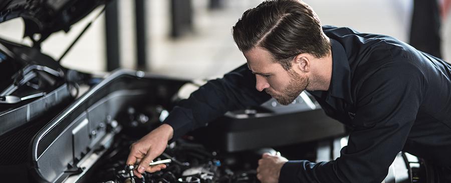 Volvo Essential -huolto pitää Volvosi Volvona. Nyt Essential -huolto vain 169€.