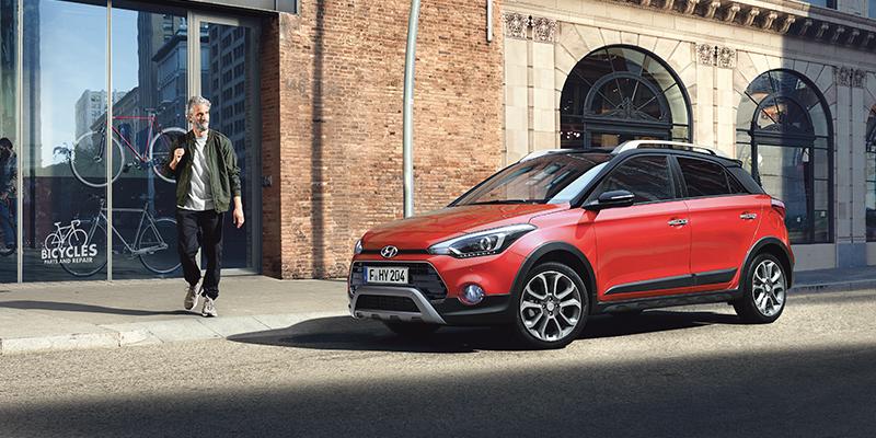 Hyundai i20 Actve Cross Black -erikoismalli  - Nyt nopealle päättäjälle etu koko i20 -mallistoon Talvipaketti 499 € sisältää talvirenkaat ja tavaratilan kaukalomaton