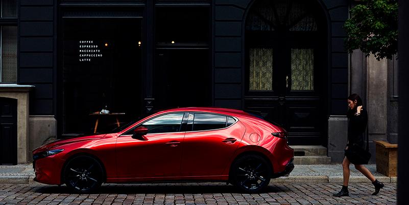 Hyödynnä nyt Mazda3rahoituskampanja 0.90 % + kulut*