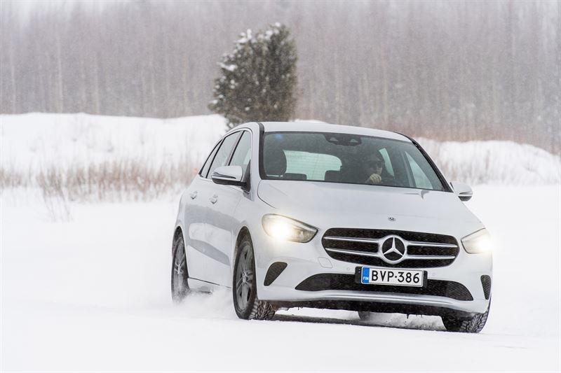 Mercedes-Benz uutuus B-sarja - entistäkin vahvempi Sport Tourer