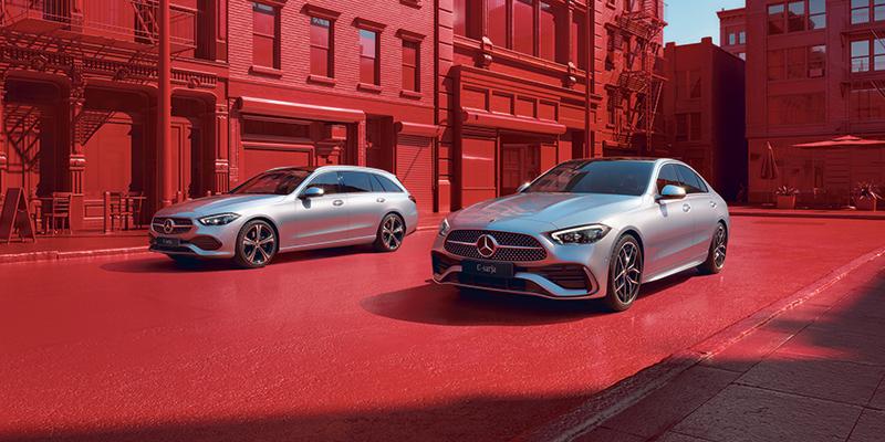 Mercedes-Benz C-sarjan sedan ja farmari uudistuvat. Odotetun, viidennen sukupolven myynti alkaa Suomessa syksyllä 2021. Luvassa on auto, joka mullistaa käsityksiä luokkansa turvallisuudesta ja mukavuudesta.