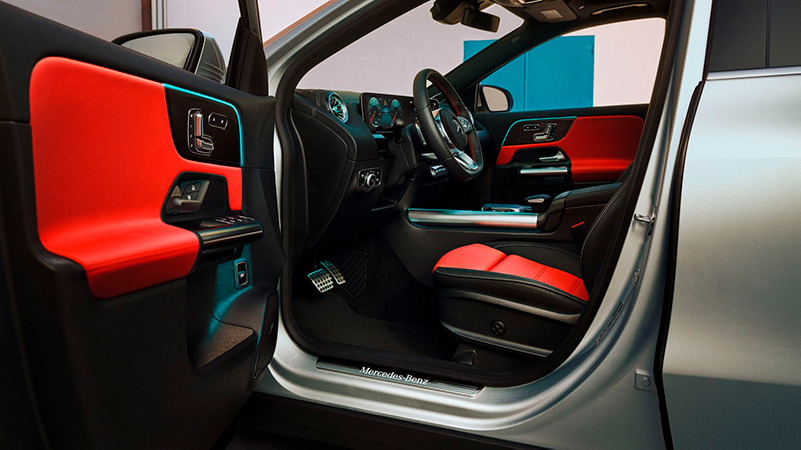 Voit puhua MBUX:lle milloin vain: Mercedes-Benzin multimediajärjestelmä on innovatiivinen, vaistonvarainen ja älykäs.