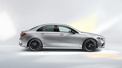 Uuden A-sarjan sedanin myötä aloimme haaveilemaan siitä uudelleen. Siluetista tuli samalla dynaaminen ja ajattoman tyylikäs.