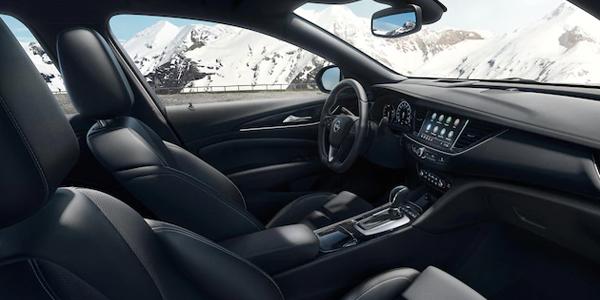 Opel Insignia Counry Tourer - Dynaamista muotoilua, ensiluokkaista liitettävyyttä ja älykkäitä kuljettajaa avustavia järjestelmiä - Insignia Country Tourer on valmiina tien päälle.