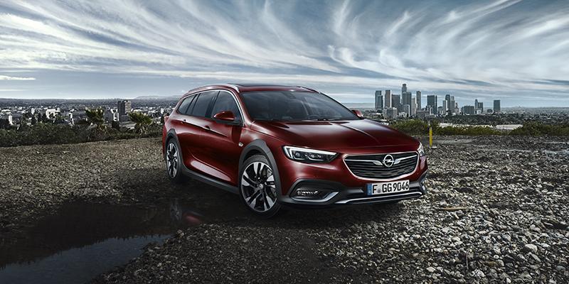Opel Insignia Country Tourer Dynaamista muotoilua, ensiluokkaista liitettävyyttä ja älykkäitä kuljettajaa avustavia järjestelmiä - Insignia Country Tourer on valmiina tien päälle.