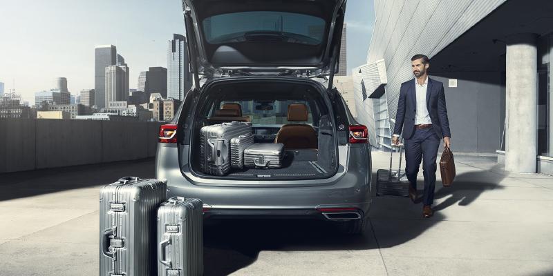 Opel Insignia Sport Tourer tilava takallu, kaikenlaistan kuormien kuljettaminen on tehty helpoksi.