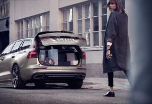 Uusi V60 on varustettu luokkansa suurimpiin kuuluvalla tavaratilalla. Tilavuutta on 529 litraa.