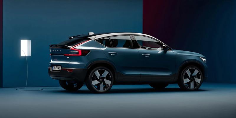 Volvo C40 Valikoimamme ensimmäinen täysin sähköinen SUV Crossover. Tilattavissa myöhemmin keväällä.